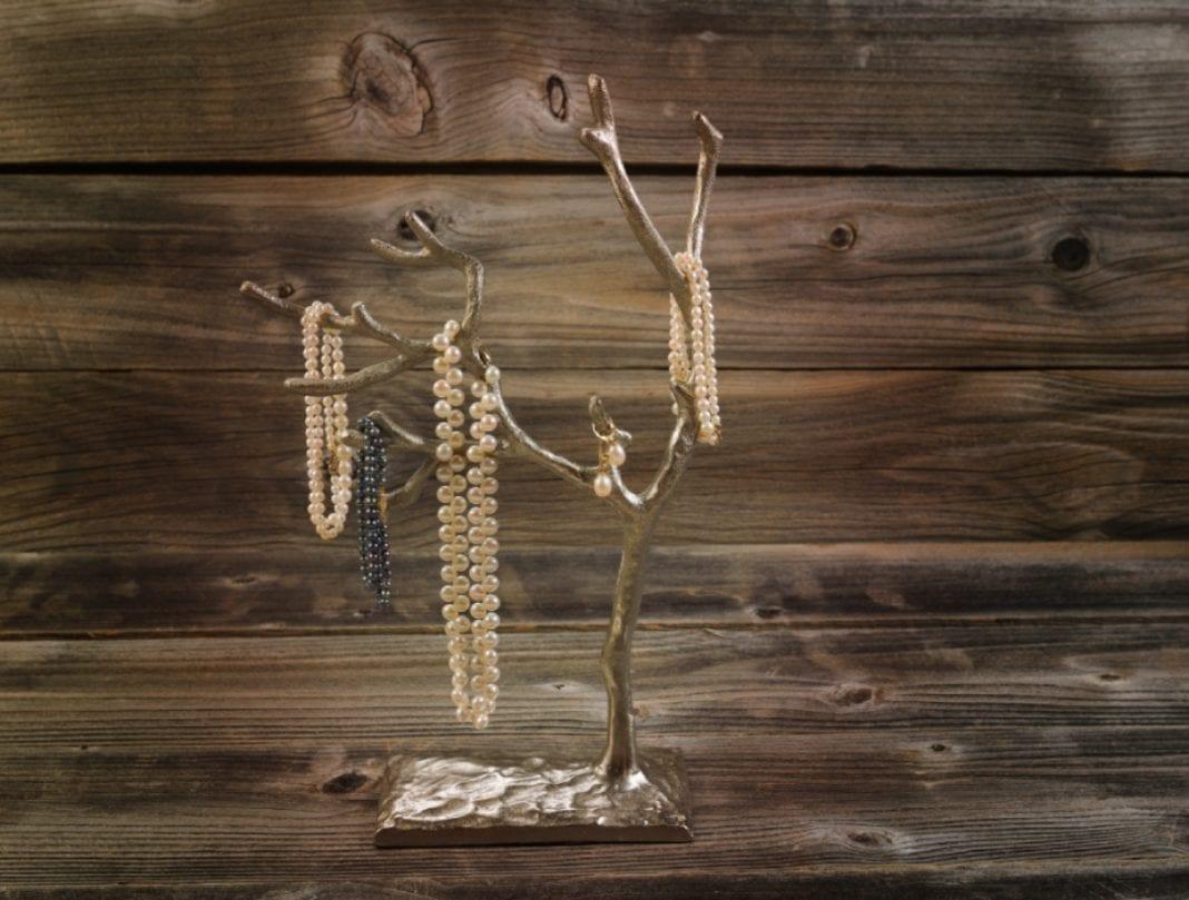Jewelry tree holder