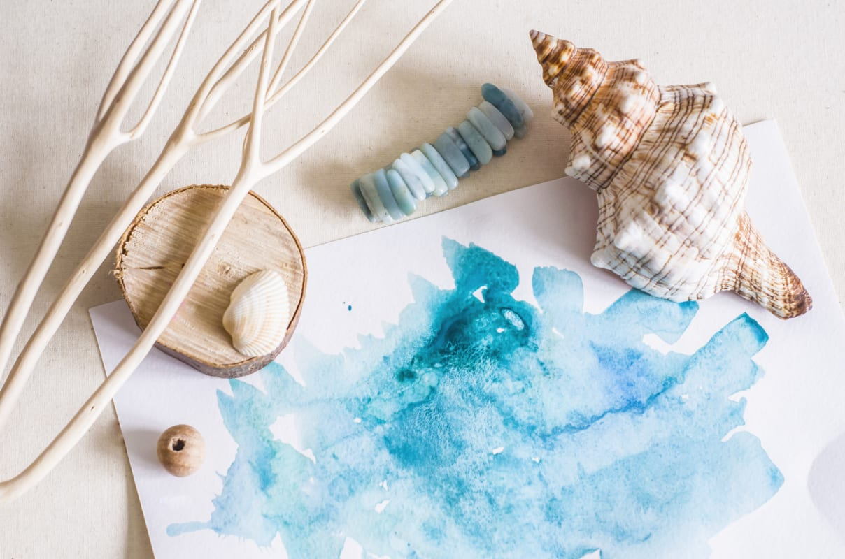 Water color paint with seashells