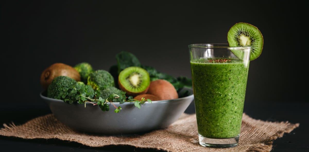 Kiwi Kale and Cucumber Smoothie