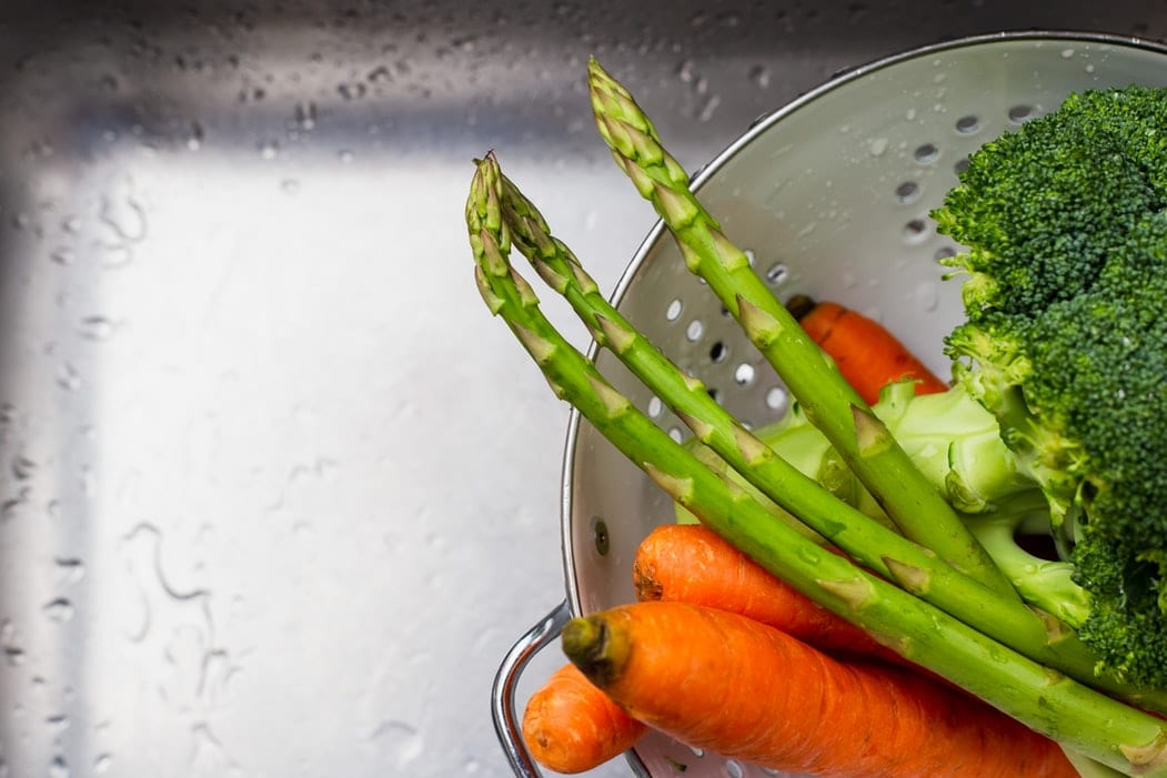 Green Asparagus with Carrots and Broccoli