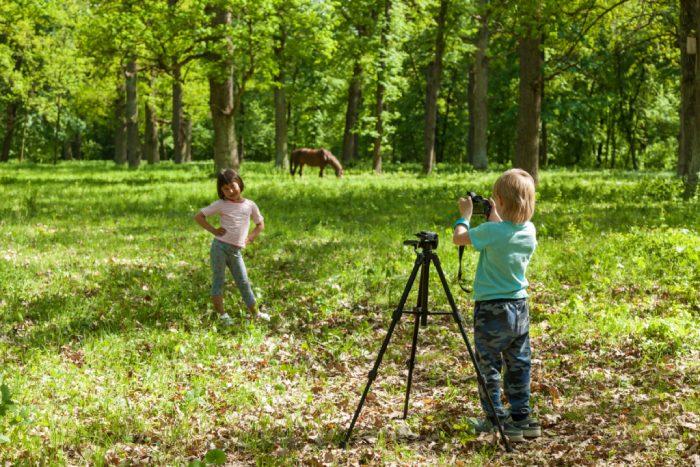 Kids Making Blog in Nature